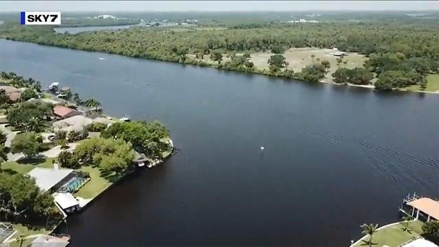 Algae Spreads Across Canals off Caloosahatchee